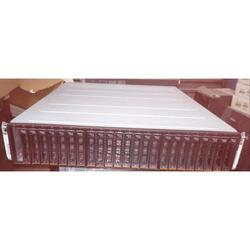 Storage IBM DS8000 con 24 Discos SAS de 450GB